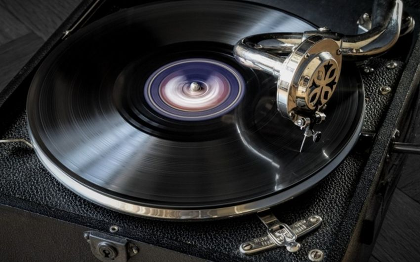 No People Indoors  Technology Concentric Black Background Space Close-up Day Grammophone Vinilforever Vinillovers Photooftheday Photographer Overall Vinil Record Photography
