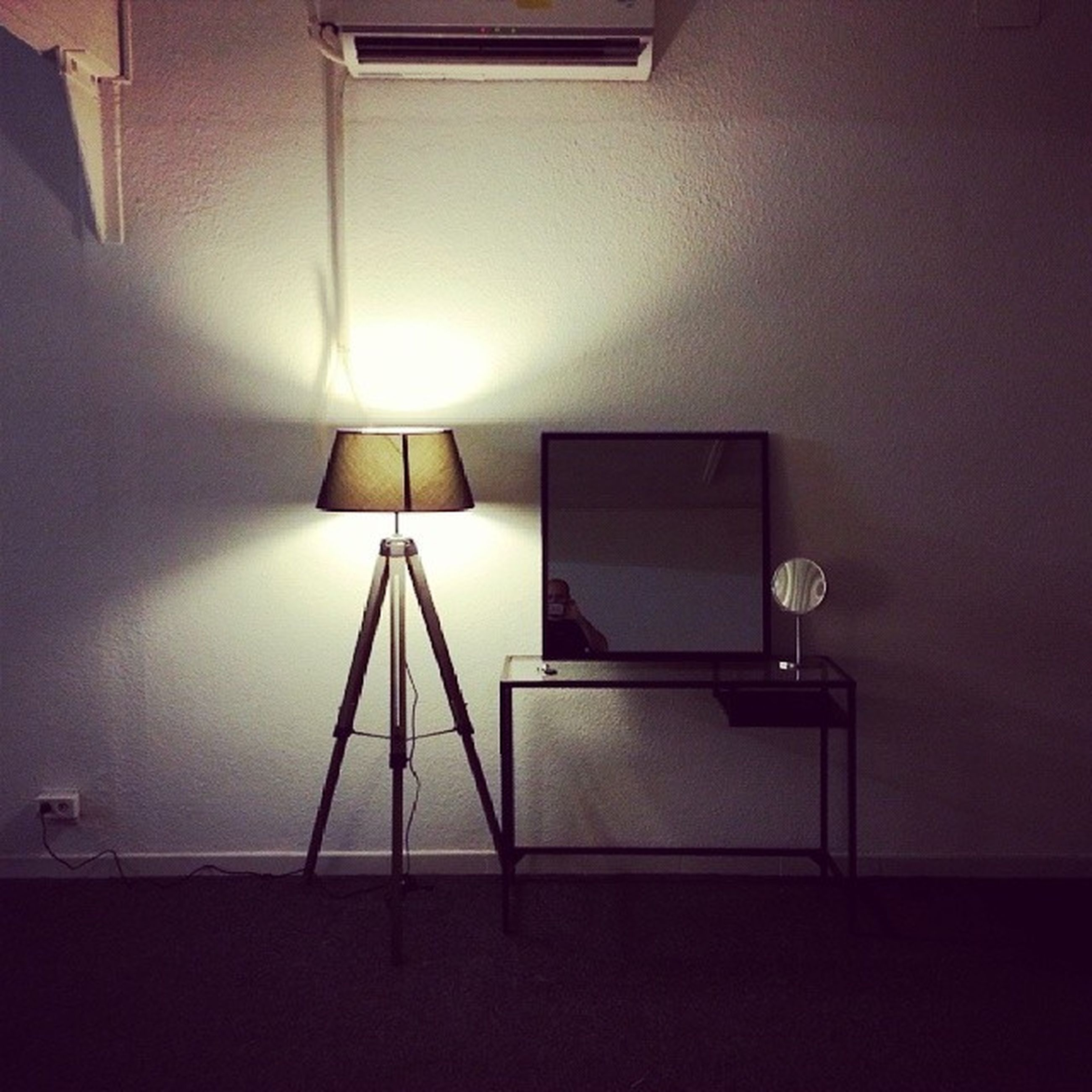 indoors, illuminated, lighting equipment, ceiling, electric lamp, wall - building feature, electric light, architecture, built structure, lamp, electricity, home interior, light - natural phenomenon, absence, wall, empty, low angle view, no people, glowing, house