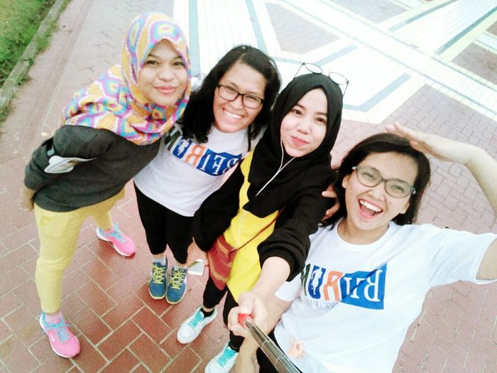 Looking At Camera Portrait Togetherness Selfie Teenager Front View Adult People Day Photo Messaging Smiling Standing Friendship Eyeglasses  Girls Human Body Part Outdoors Child Photography Themes Young Adult