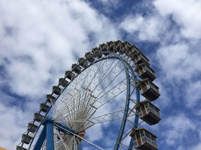 Riesenrad Frankfurt Am Main Dippemess EyeEm Selects Amusement Park Ferris Wheel Low Angle View Arts Culture And Entertainment Big Wheel Amusement Park Ride Cloud - Sky Sky Day No People Outdoors