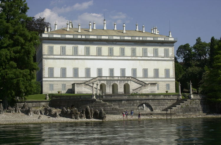 Large Beautiful Lake Villa Architecture Building Exterior Built Structure Cloud - Sky Day Fountain Lake Como Lake Como Italy Lake Como Villa Lake Villa Outdoors People Sculpture Sky Travel Destinations Water