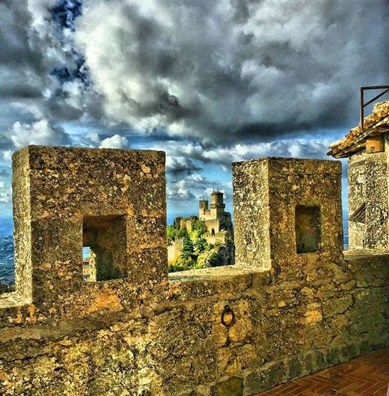 Buongiorno Sanmarino Cesta Montetitano Repubblicadisanmarino Republicofsanmarino Centrostorico Torre Tower Sunday Clouds Sky Nuvole Hdr_captures Hdr_lovers HDR Hdr_pics Panorámica Panoramic Panoramicview Beautiful Instahdr Instagood Instamoments Instamood