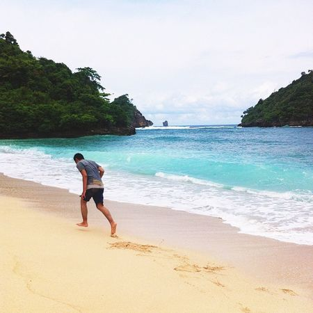 Morning folks ☀️ taken at gatra beach malang Igmalang Imoklet Iphonesia Iphoneonly Folks Livefolks Livefolkindonesia Exploremalang Sekitaranmalang Mainsebentar Mendingkeluar