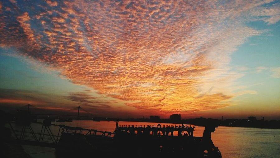 Kolkata Sunset Amazing EyeEm Photography Nightiscoming Magical Timeistime India Paradise