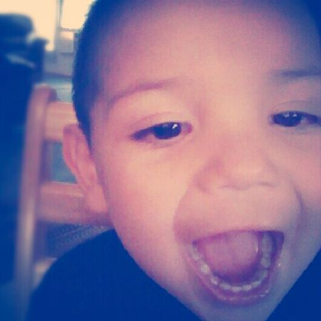 Awh, he gets amazed by the front camera ♥