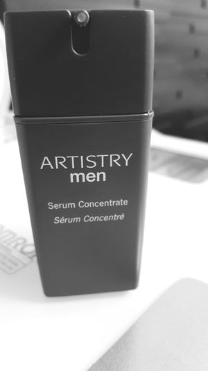 ชอบกลิ่นอาทิสตี้เมนอ่าา ทำไมรุ้สึกหอมกว่าเอสเซ้นตัวอื่น 😤😤😤 Artisty