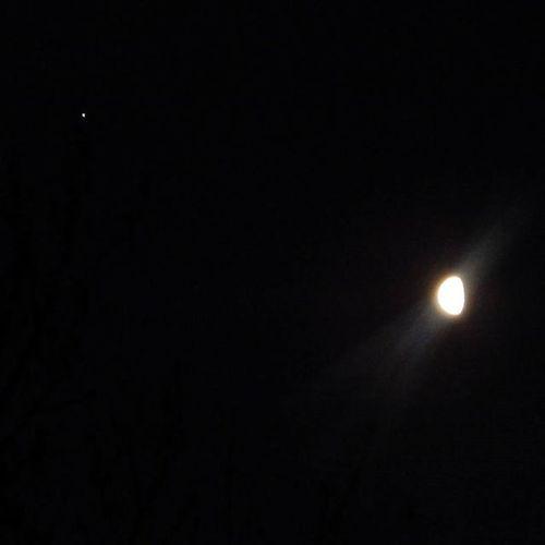 Šorīt 31.12.2015. Mēness un maza zvaigznīte 🌒 This morning 31.12.2015. Moon and little star 🌒 Mēness Moon Zvaigzne Zvaigznes Star Stars Rits Morning Nakts Night Debesis Sky Skyphotography Riga Riga Latvija Latvia