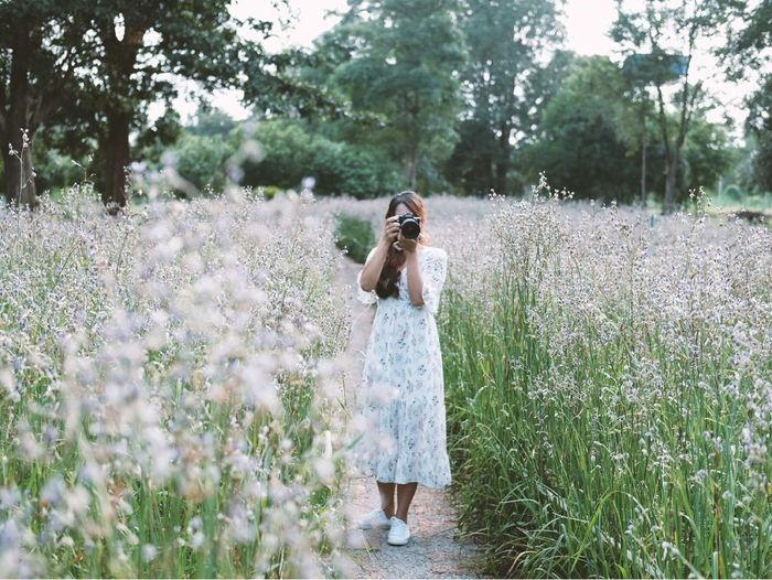 Preeyaporn Songbanphot Preeyaporn Songbanphot Flower Photography Flower Flower Collection One Person Photography Themes Young Adult One Woman Only Flower Nature Photographing One Young Woman Only Tree Standing Young Women People Camera - Photographic Equipment Women Outdoors Plant Inner Power