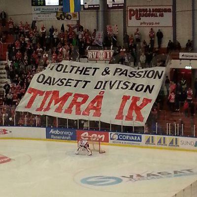 Vinst 3-2 mot serieledarna Timraik Tik Eonarena