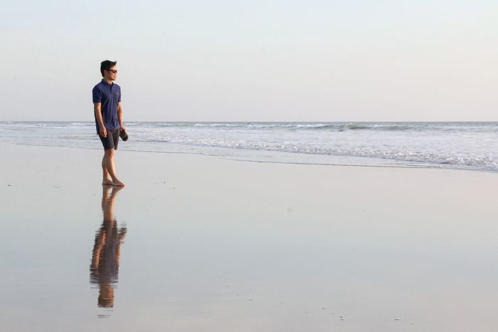 Costa Ballena Beach Sea One Person One Man Only Walking Tranquility Only Men Reflection Adult People Water Outdoors Day Men Horizon Over Water