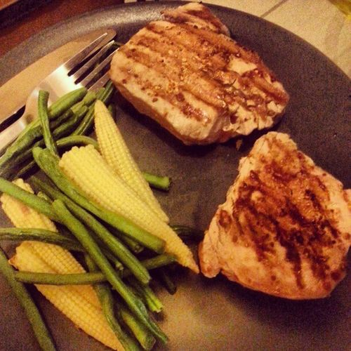 Tuna steak, corn, and long beans. #healthy Healthy