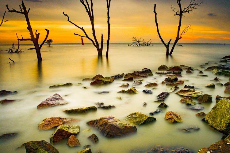 sunset kelanang beach