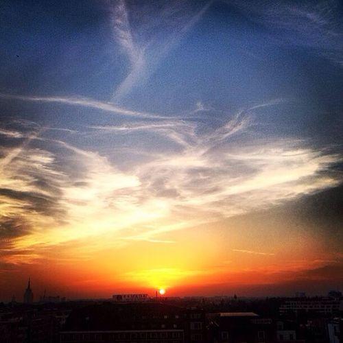 WeatherPro: Your Perfect Weather Shot Streetphotography City Sunset