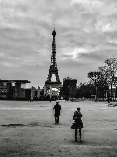 Architecture Lovers Built Structure Sky Cloud - Sky Travel Destinations City Outdoors Tree Monochrome Bw Noir Et Blanc IPhoneography Eiffel Tower Winter Cold Temperature