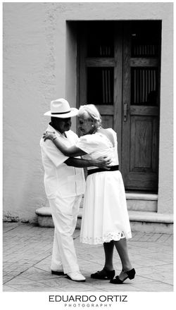 Streetphotography Blackandwhite Love Wonderful Enjoying Life Dancing Fascinating Old Check This Out Street Photography