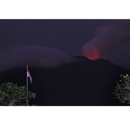 Mount Agung, Bali, Indonesia still eruption No People Outdoors Tree Night Nature Beauty In Nature Volcano Landscape Forest Fire Mountain Erupting Physical Geography Volcanic Landscape Cloud - Sky Gunungagung