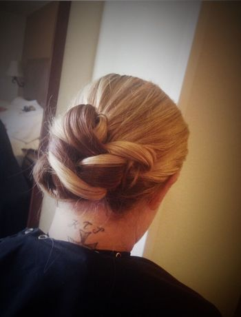 Beautiful Up Do @znevaehsalon Check This Out Hair Hair Style L'Oreal Professionnel Z Nevaeh Salon Eye4photography # Photooftheday Tecni.art HairProducts Knoxvillesalon Salonlife
