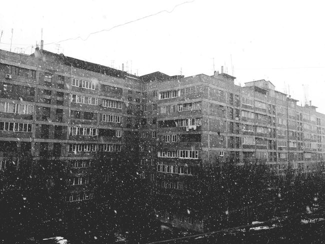 Cold Days Cold Winter ❄⛄ Snow Snow Day Beauty At Home Beautiful World Creative Photography Nice Blackandwhite Photography Block Of Flats Black And White Right Now
