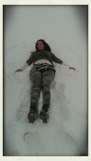 Snow ❄ Fun Laughs Making Snowangels