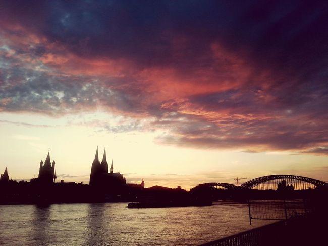 Köln Kolle Cologne Kölnerdom Sonnenuntergang Clouds And Sky Cloudporn Skyporn Sunset Sunset Skyline