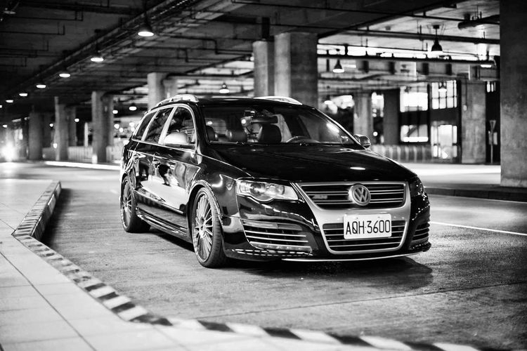 Passat R36 Volkswagen Car Mode Of Transportation Motor Vehicle Transportation Land Vehicle Architecture Built Structure City Incidental People Illuminated Street Building Exterior Text Day Road People Taxi Parking Garage