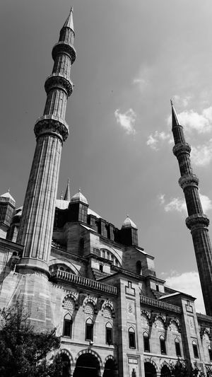 Edirne Selimiye Camii Edirne Selimiye Mosque Mosque City History Sky Architecture Building Exterior Built Structure Travel Office Building Monument EyeEmNewHere