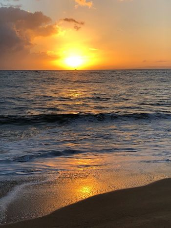 Hawaii Kauai Sunset Sea Beauty In Nature Nature Scenics Orange Color Sun Tranquility Water Sky Tranquil Scene Idyllic Horizon Over Water Outdoors Reflection No People Silhouette Wave Sand Beach