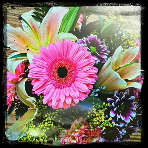Feeling loved and blessed! Flowers Happyheart Loveofmylife My Bestfriend ♡
