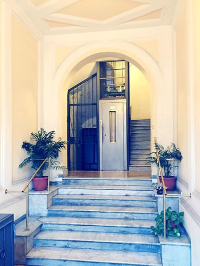 Entrance 🚪 Roma Rome House Entrance Floor Lift Architecture Steps Photography Photooftheday Indoors  Followme Follow4follow Picutre Italy Italian Flower Picturized Photo Photoday Travel NachRom Globetrotter Globe_travel FollowTheLeader Art Is Everywhere The Secret Spaces TCPM Moving Around Rome