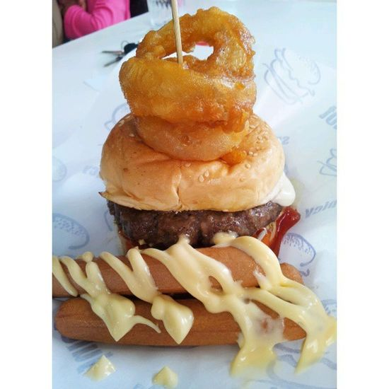 Lamb burger with ring onion and hotdog Abangburn Dinner HappyTummy Foodstamping instafood