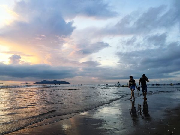 Bình minh Sea Cloud - Sky Beach Two People Togetherness Beauty In Nature Horizon Over Water Sunset Second Acts