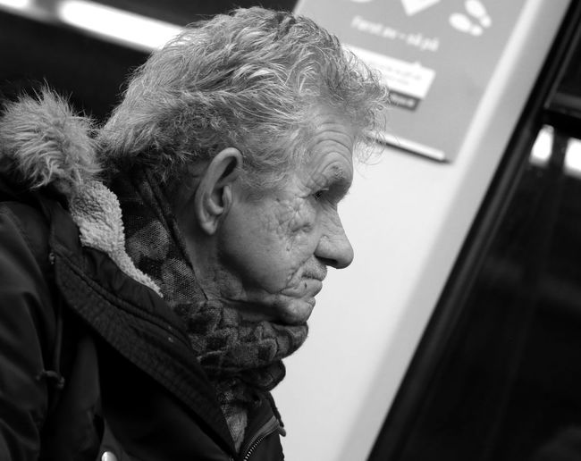 Underground Station  b&w street photography Close-up Day Indoors  One Person Portrait Real People Tbanen
