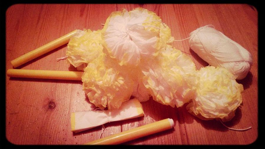 Création en cours. Creation Fleurs Mouchoirs