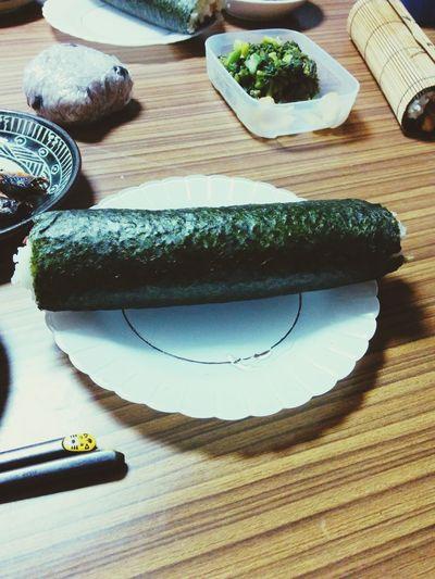 黒くて太いの。 Sushiroll Japanese Food