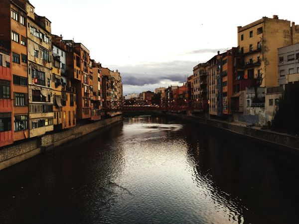 A nice moment.. Gerona Architecture Residential Building Sky City Old Town Water Waterfront No People Travel Destinations Symplicity 🌼