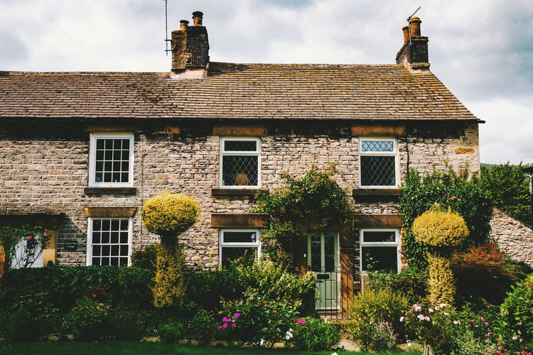 Castleton Old-fashioned Flower History House Sky Architecture Building Exterior Built Structure Façade Brick Townhouse