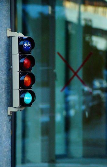 Sign Stoplight