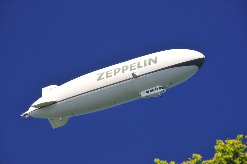 Himmel Fliegen Flug Zeppelin Pilot Reise Flight Flighing Sky Blue Let's Go. Together. Transportation Transport Luftschiff