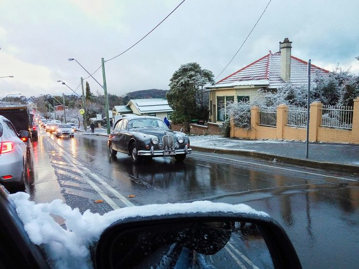 Traffic in Katoomba, Blue Mountains, Australia, on a cold snowy winter's day. Cold Winter ❄⛄ Cold Temperature Cold Snow ❄ Snow Snow Day Traffic Vintage Cars Rearview Mirror Katoomba Blue Mountains Australia Aussie Driving Car Cars Winter Wintertime