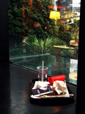 It rains outside~Il pleut dehors (外面下雨了) Outdoors Rain Guangzhou China Light Indoors