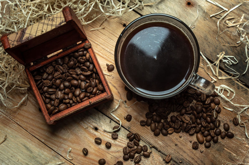 coffee in the morning Rustic Healthy Lifestyle Frühstück Gesundheit Cafe Coffee Morning Leisure Drink Table High Angle View Close-up Food And Drink Ground Coffee Roasted Coffee Bean Coffee Crop Caffeine Raw Coffee Bean Pastry Black Coffee Ground - Culinary