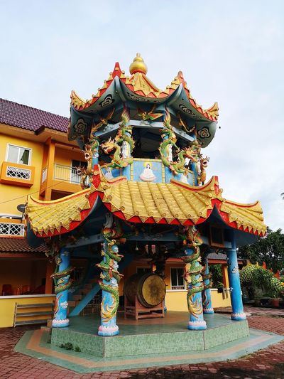 Chinese Dragon Chinese New Year Place Of Worship Lantern Sky Architecture Building Exterior Chinese Lantern Festival Chinese Lantern Pagoda Chinese Culture Buddhist Temple Traditional Building Historic Non-western Script