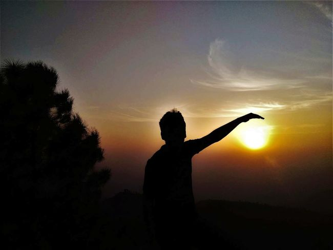 Silhouette Sunset One Person People Nature Human Body Part Adult Outdoors Lifestyles Sky One Man Only Tree Happiness Child Men Only Men Human Hand Day Happıness Breathing Space The Week On EyeEm Paint The Town Yellow
