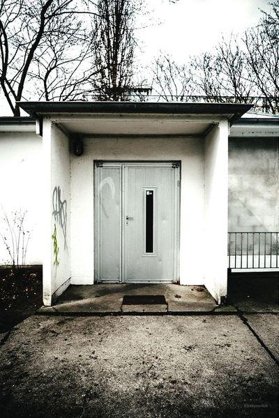 Door Ostalgie Berlin Mitte Ostalgie Aluminium Street Streetphotography Door Doorporn