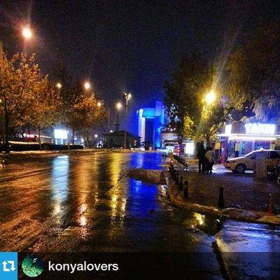 Foto ; @konyalovers ・・・ Islak sokaklar ve kaldırımlar yaz aylarında bereketin habercisidir. Comseekonya Konya Eskigaraj civarı konyalovers