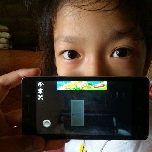 สาวน้อยบอกว่าให้เล่นเกมอายส์ น่ากลัววววววว >< หลอนจิงไรจิง ไม่เชื่อลองโหลด !!!!!😂