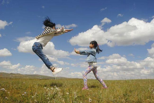 朋友一家在内蒙古草原 旅游