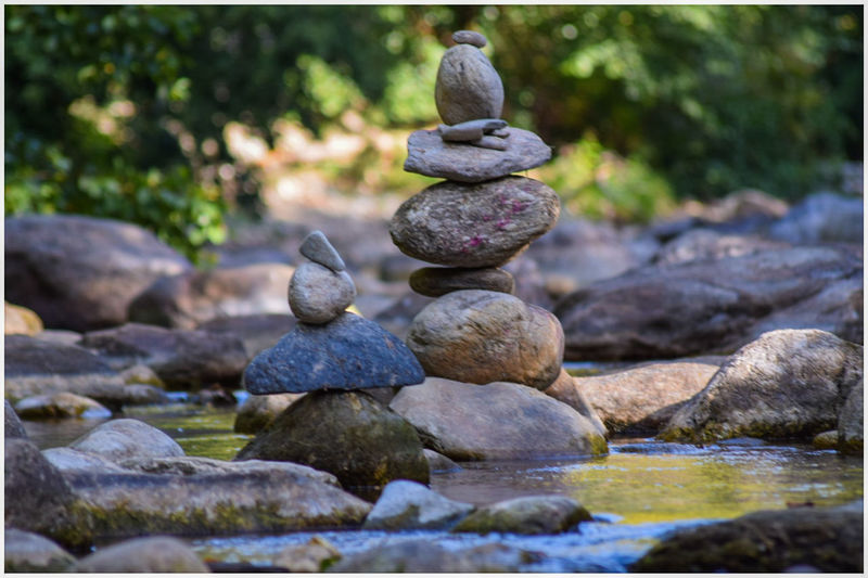 Stack Balance Rock - Object Tranquility No People Zen-like Pebble Large Group Of Objects Water OutdoorsBeauty In Nature Day Close-up Nature Unclicheunclindoeil