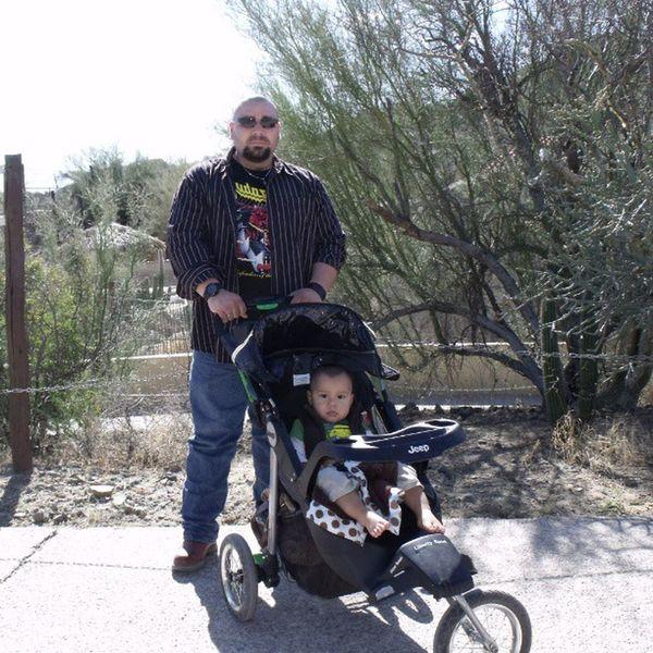 Mi esposo e hijo en el Centroecológicode Sonora Sonora Sonorenses Sol naturaleza love family instapic instababy instaportrait instacute cute amazing Hermosillo México