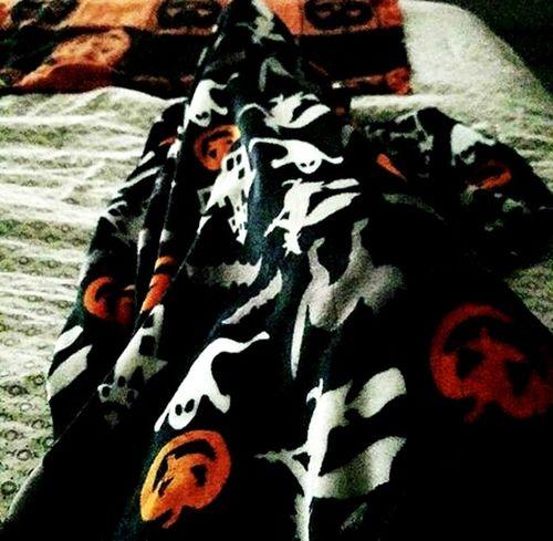 Lazy day !!!! Lazy Day Lazy Sunday Lazy Day✌ Lazy Afternoon Ghost Pumpkin Pumpkins Blanket Hueva Time Huevamil HuevaTotal Domingo